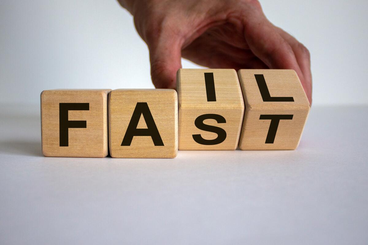 Software fail-fast method for qualitative software output